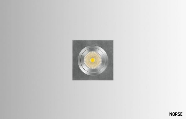 Ebba-square-single-spotlight-M1-02