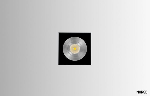 Gosia-square-single-spotlight-04